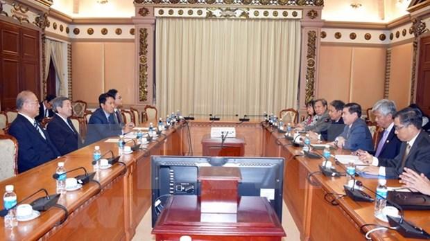 胡志明市领导会见日本自由民主党代理秘书长 hinh anh 1