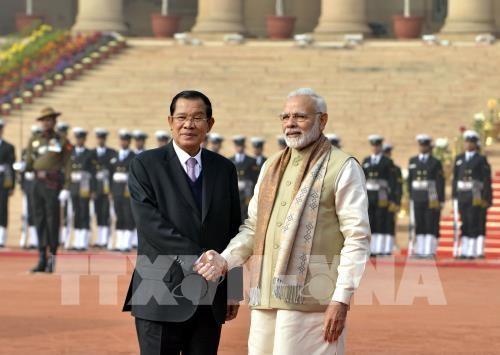 印度与柬埔寨签署4项合作协议 hinh anh 1