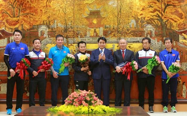 越南各省市举行仪式 欢迎各名U23球员回家 hinh anh 1