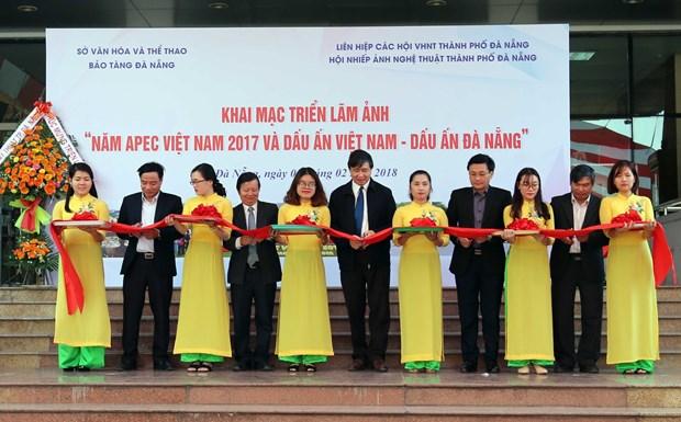 """""""2017年APEC会议和越南与岘港的烙印""""图片展在岘港市举行 hinh anh 1"""
