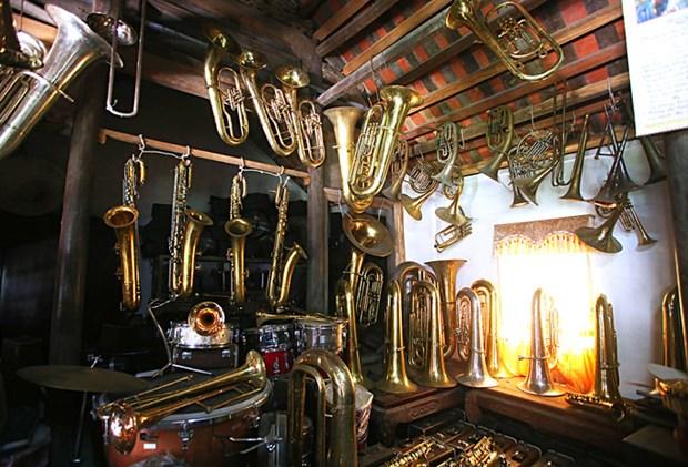 越南南定省海后县的西洋管乐器生产业 hinh anh 1