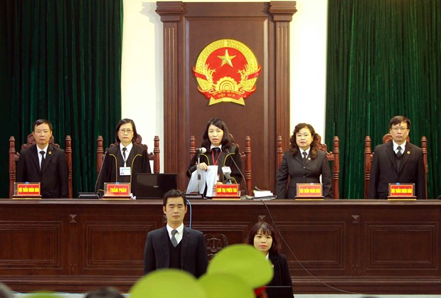 PVP Land贪污案:郑春青被判处终身监禁 hinh anh 1
