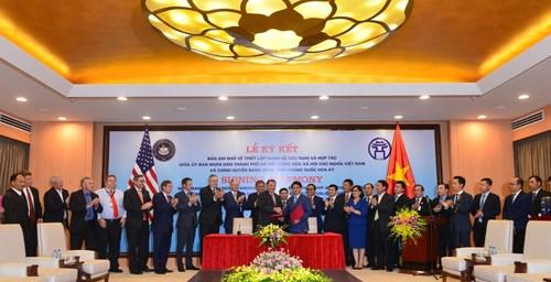 河内扩大国际合作:尽力争取国内外投资 为经济发展铺平道路 hinh anh 1