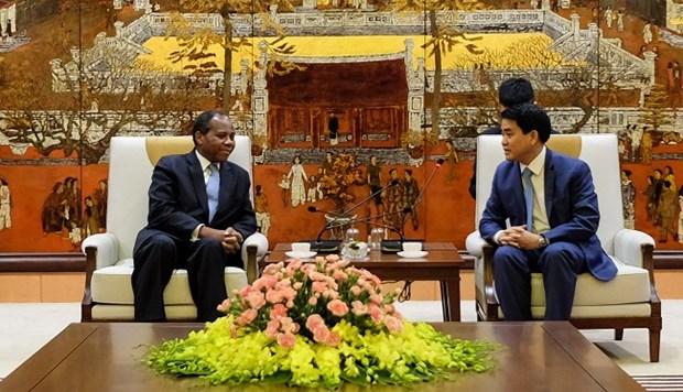 进一步加强河内市与莫桑比克各地方之间的友好合作关系 hinh anh 1