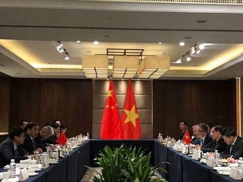 越中两国副外长举行磋商 hinh anh 2