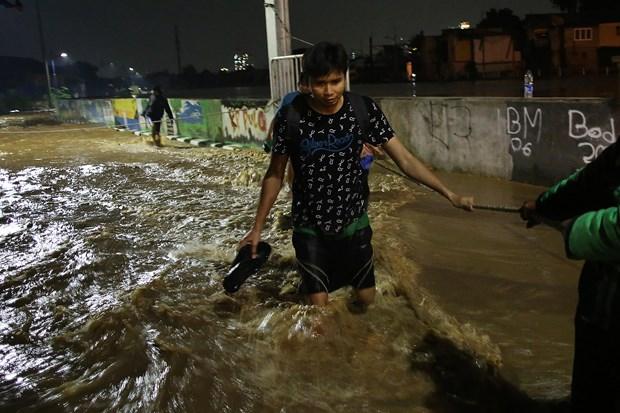 印尼雅加达大雨引发洪水 数千人疏散 hinh anh 1