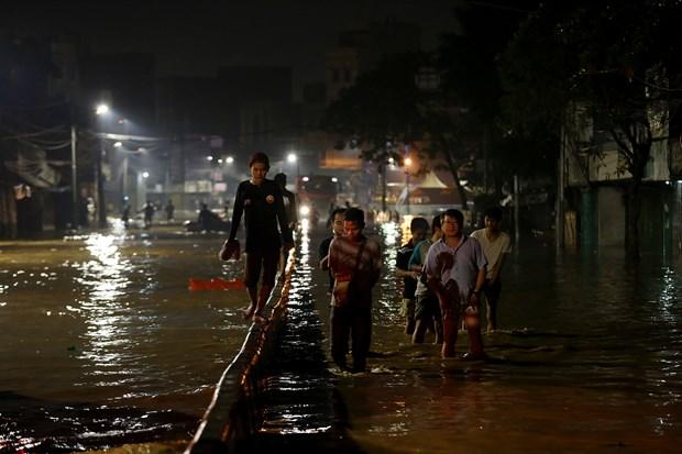 印尼雅加达大雨引发洪水 数千人疏散 hinh anh 2