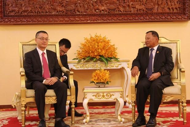 越南国会向柬埔寨参议院赠送工作设备 hinh anh 2