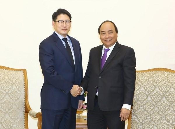 越南政府总理阮春福会见韩国晓星集团社长赵显俊 hinh anh 1