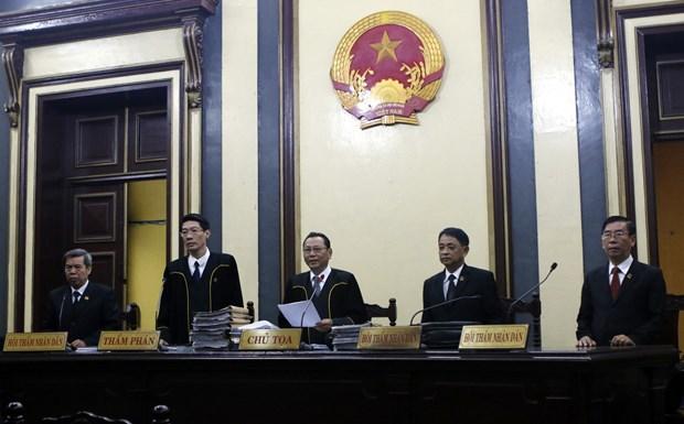 胡志明市人民法院一审开庭审理黄氏玄茹诈骗1万亿多越盾一案 hinh anh 2