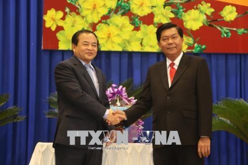 越南隆安省深化与柬埔寨各边境省份的团结友谊 hinh anh 1