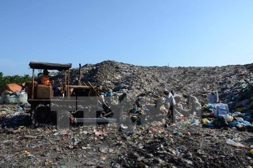 越南63个省市中的57个已批准固废管理规划 hinh anh 1