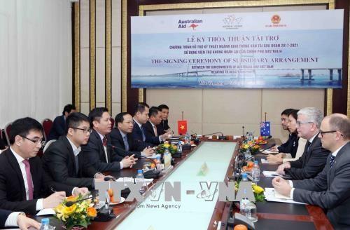 """越南与澳大利亚签署总值为2400万美元的""""交通运输技术资助项目""""启动协议 hinh anh 1"""