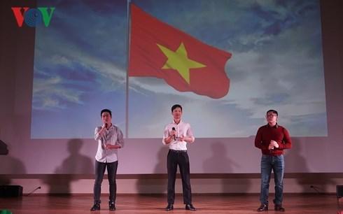 在莫斯科外国留学生对越南文化深感兴趣 hinh anh 2