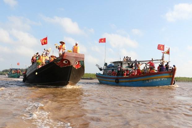 薄辽省迎翁节——沿海地区渔民的文化之美 hinh anh 2