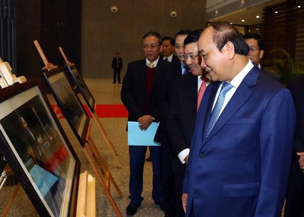 阮春福总理:外交部需为促进和推动经济和贸易活动发展做出不懈努力 hinh anh 2