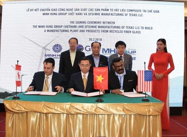 美国企业协助越南企业制成再生复合材料产品 hinh anh 1