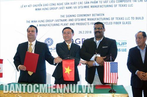 美国企业协助越南企业制成再生复合材料产品 hinh anh 2