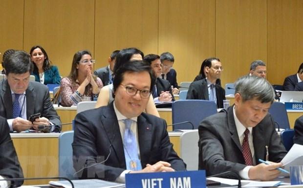 越南在瑞士举行有关传播媒体和信息技术领域的座谈会 hinh anh 1