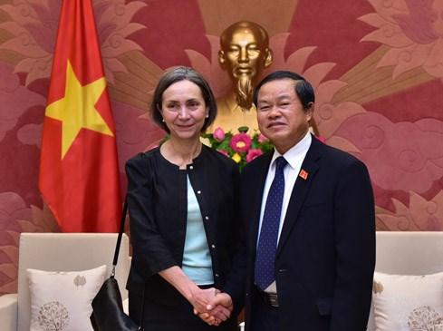 越南国会副主席杜伯巳会见墨西哥驻越大使 hinh anh 1