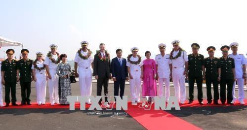 美国海军编队访问岘港 hinh anh 1