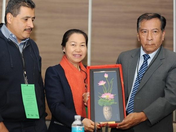 越南出席在墨西哥举行的教育工会国际第18届代表大会 hinh anh 3