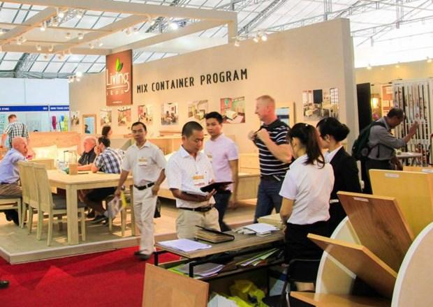 第11届胡志明市国际家具及家具配件展览会吸引450家国内外企业参展 hinh anh 1
