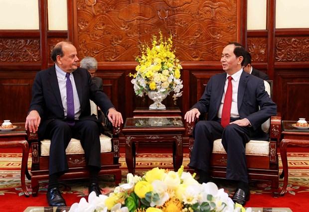 国家主席陈大光会见智利驻越大使克劳迪奥·德·内格里 hinh anh 2