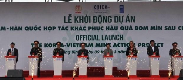 越南与韩国为处理战后遗留炸弹地雷后果加强合作 hinh anh 1