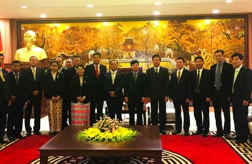 越南与缅甸分享民族工作政策经验 hinh anh 1