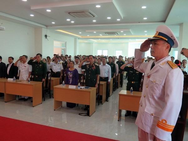长沙部队传统联络委员会举行海军战士在鬼鹿角礁英勇牺牲30周年纪念典礼 hinh anh 1