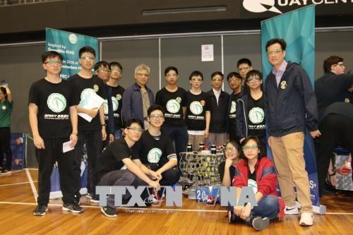 越南参加国际9-12年级中学生机器人对战赛 hinh anh 2