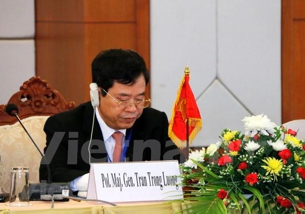 2017年越老柬三国打击跨境拐卖人口专项行动总结会议在老挝举行 hinh anh 2