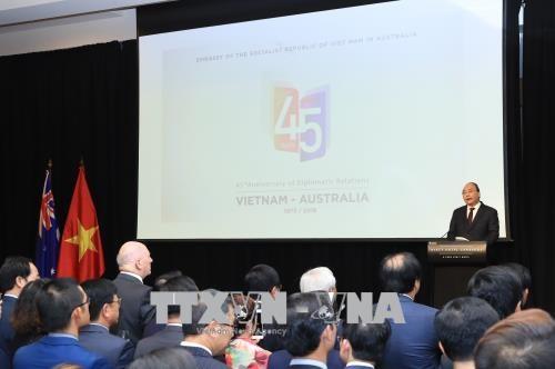 阮春福和澳大利亚总督科斯格罗夫出席庆祝越澳建交45周年招待会 hinh anh 3