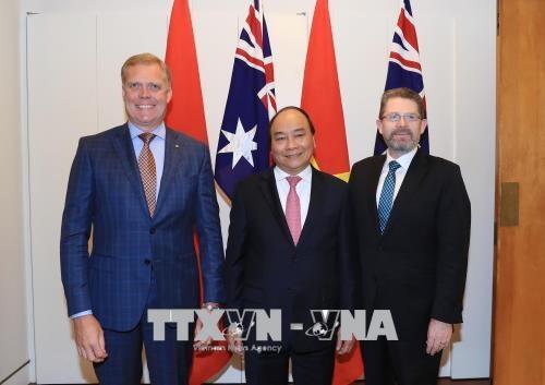 政府总理阮春福会见澳大利亚参众两院议长 hinh anh 1