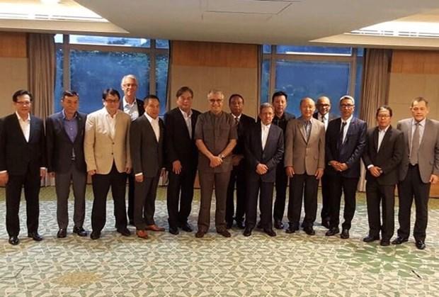 亚洲足球联合会承诺将协助越南足协和东南亚发展青年足球 hinh anh 1