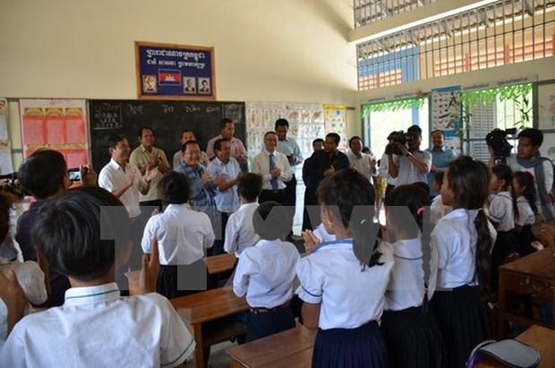 柬埔寨高度评价越南橡胶公司为磅同省经济社会发展做出的贡献 hinh anh 1