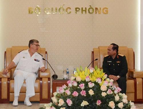 越南人民军总参谋部和总政治局领导会见国际客人 hinh anh 1