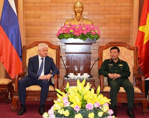越南人民军总参谋部和总政治局领导会见国际客人 hinh anh 2