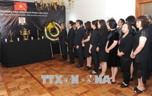 各国大使及各国际组织代表悼念越南前政府总理潘文凯 hinh anh 1