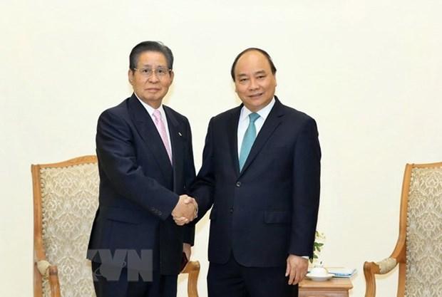越南政府总理阮春福会见日本首相顾问饭岛勋 hinh anh 1