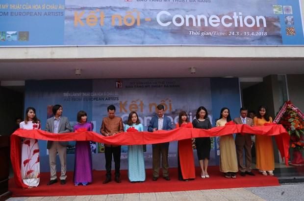 欧洲画家美术展亮相岘港市 加深岘港市与国际朋友的团结友谊 hinh anh 1