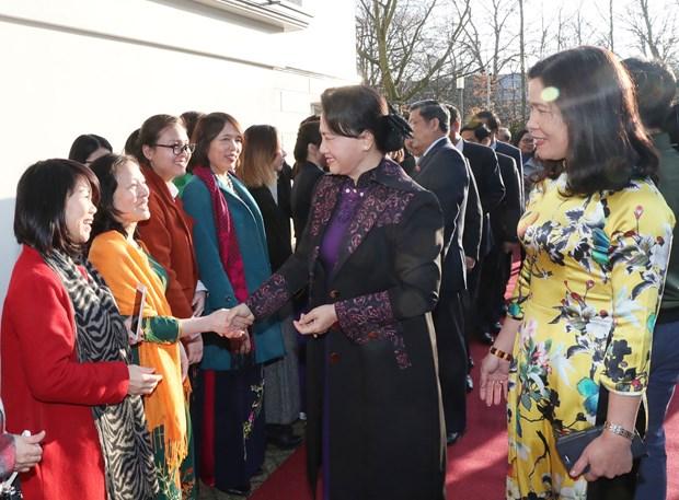 越南国会主席阮氏金银拜访荷兰皇后马克西玛 hinh anh 2