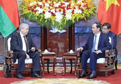 越南国家主席陈大光会见白俄罗斯副总理弗拉基米尔·谢马什科 hinh anh 1