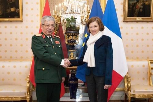 越南与法国进一步加强防务合作 hinh anh 1