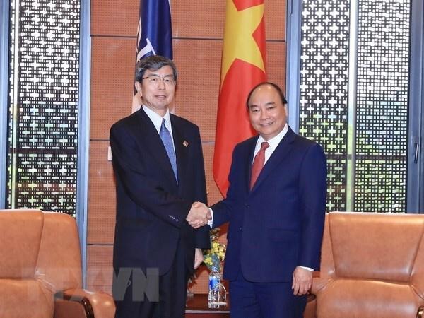 越南政府总理阮春福会见亚洲开发银行主席 hinh anh 1