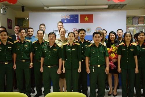 二级野战医院安全输血与标准预防更新培训在胡志明市举行 hinh anh 1