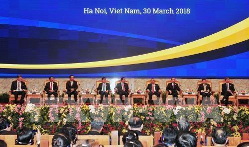 企业界积极参加大湄公河次区域商务峰会的政策对话全体会议 hinh anh 1