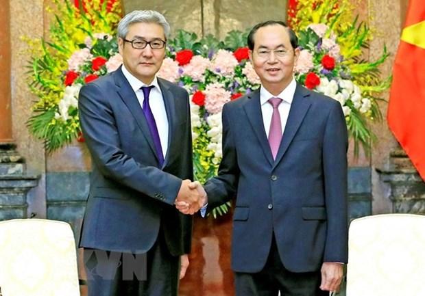 越南国家主席陈大光会见蒙古国家安全委员会秘书长 hinh anh 1