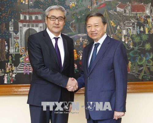 越南与蒙古加强预防和打击犯罪领域的合作 hinh anh 1